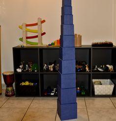 Fabriquer une tour en carton inspirée de la tour rose Montessori
