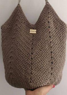 Who's there for a Crochet bag? Crochet Diy, Beau Crochet, Crochet Beach Bags, Love Crochet, Beautiful Crochet, Crochet Clutch, Crochet Handbags, Crochet Purses, Crochet Shoulder Bags