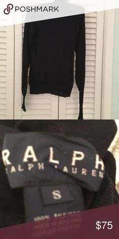 Ralph Lauren silk turtleneck Super cute pristine condition Ralph Lauren Sweaters Cowl & Turtlenecks