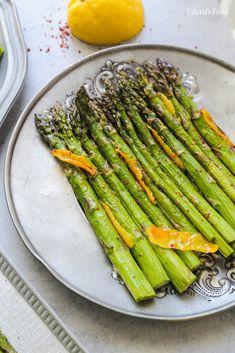 SPARANGHEL GĂTIT ÎN 3 MODURI | Rețetă + Video – Valerie's Food Asparagus, Cooking Recipes, Vegetables, Lunch Ideas, Food, Drinks, Diet, Green, Drinking