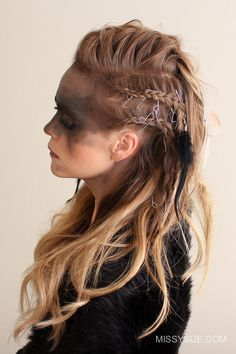 Viking Warrior Halloween Hairstyle Since it's finally October I'm excited to be sharing my first Halloween tutorial for the year. I am excited about this Viking warrior costume because I really wanted to focus on the hairstyles for my Fast Hairstyles, Braided Hairstyles, Wedding Hairstyles, Hairstyle Short, Viking Hairstyles, Witchy Hairstyles, Night Hairstyles, Hairstyles 2018, Creative Hairstyles
