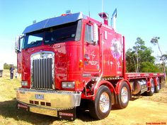 Twin steer Kenworth Cabover.......