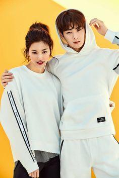 Weki Meki - Doyeon w/ Eunwoo Korean Boys Ulzzang, Ulzzang Couple, Ulzzang Girl, Kpop Couples, Cute Couples, Kpop Fashion, Korean Fashion, Bff, Fanfiction