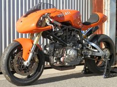 "Radical Ducati S.: From Australia Brendan ""Radicalize"" his SS ! Ducati Cafe Racer, Cafe Bike, Cafe Racers, Ducati 900ss, Ducati Scrambler, Cafe Racer Motorcycle, Ducati Motorcycles, Custom Motorcycles, Custom Bikes"