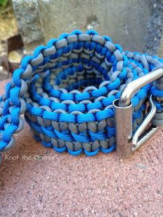 Paracord Belt size 46 with a buckle like this. I want it black and orange for teaching Riders Edge. I would also like one that is tan and hunter green for wearing at the UCSO. Paracord Weaves, Paracord Belt, Paracord Braids, Paracord Bracelets, Paracord Projects, Paracord Ideas, Parachute Cord, Tie Knots, Boy Scouts