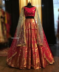 The Only List Of Online Websites You Should Shop Indian Wear From Ballkleid Benarsi Bridal Lehenga. Indian Lehenga, Half Saree Lehenga, Lehnga Dress, Bridal Lehenga Choli, Brocade Lehenga, Golden Bridal Lehenga, Lehenga Choli With Price, Banarasi Lehenga, Lehenga Wedding
