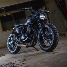 #TrackerTuesday with the 'Point Blank Mobile' Mash 500 by @eakkspeed. What do you think? . Photo by Override Photo. . . . #croig #caferacersofinstagram #mash500