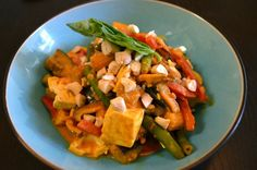 Eat to Live Curry Recipe -- Uses carrot juice instead of oil and you don't miss a thing!  MyMommaToldMe.com