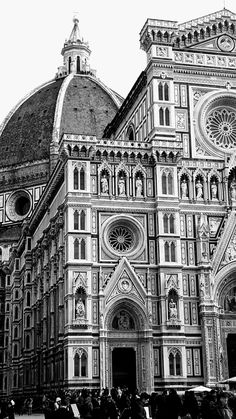 Santa Maria del fîore à Florence? Cathedral Architecture, Renaissance Architecture, Architecture Drawing Art, Gothic Architecture, City Aesthetic, Travel Aesthetic, Building Drawing, Florence Italy, Italy Travel