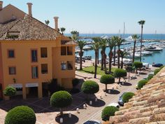 Bright and airy penthouse apartment for rent – overlooking the Marina in Puerto Sotogrande.