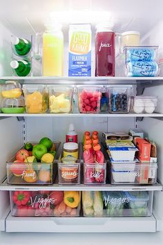 home organisation Fridge organization from The Home Edit Refrigerator Organization, Kitchen Organization Pantry, Small Space Organization, Home Organisation, Organized Fridge, Organization Ideas For The Home, Organized Home, How To Organize Fridge, Fridge Storage