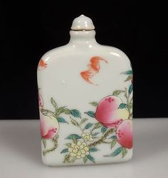 Chinese Famille Rose Porcelain Snuff Bottle - Peaches & Bats 44142