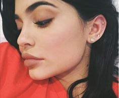 Kylie Jenner se lance dans la création d'une collection de fards à paupières pour sa marque Kylie Cosmetics.