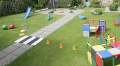 Obstacle course, sponge relay and other fun backyard activities for kids