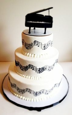 Torten mehrstöckig Leckere Musik piano