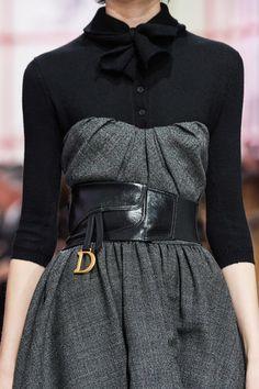 Christian Dior Fall 2019 Ready-to-Wear Fashion Show - Vogue Dior Fashion, Plaid Fashion, Fashion Week, Fashion 2020, Runway Fashion, Fashion Brands, Fashion Show, Fashion Outfits, Womens Fashion