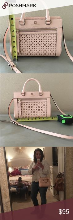 Kate Spade Crossbody Purse / Bag Light pink, worn only a few times. In excellent condition. kate spade Bags Crossbody Bags