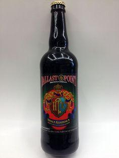 Cerveja Ballast Point Indra Kunindra, estilo Foreign Extra Stout, produzida por Ballast Point, Estados Unidos. 7% ABV de álcool.