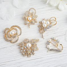 5 Pcs - Assorted Gold Plated Pearl and Rhinestone Brooches - Floral Sash Pin Brooch Bouquet Decor Brooch Bouquets, Brooches, Bridal Bouquets, Wedding Chair Sashes, Gold Wedding Decorations, Wedding Centerpieces, Art Deco Wedding, Glitz And Glam, Gold Polish