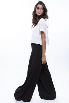 Pantalona preta + Cropped branca  http://mhostore.com/