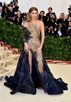 Gigi Hadid in Atelier Versace - Met Gala 2018: At 44, Kate Moss Still Has the Best Legs on the Red Carpet