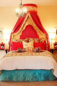 that bed crown! and that bed skirt!