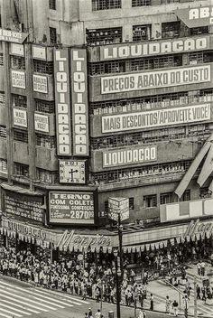 Década de 1970 - Mappin na praça Ramos de Azevedo.