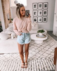 Shop Your Screenshots™ with LIKEtoKNOW.it, a shopping discovery app that allows you to instantly shop your favorite influencer pics across social media and the mobile web. Cute Summer Outfits, Spring Outfits, Cute Outfits, Summer Clothes, Comfy Clothes, Mom Outfits, Casual Dresses, Casual Outfits, Fashion Outfits