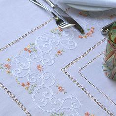 Embroidery by Luisa Fernanda Hardanger Embroidery, White Embroidery, Vintage Embroidery, Ribbon Embroidery, Embroidery Stitches, Embroidery Patterns, Machine Embroidery, Doily Patterns, Dress Patterns