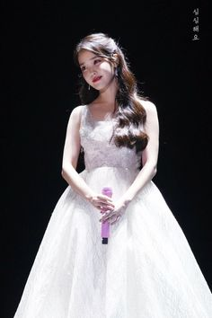 IU's Sequin Wedding Dress Melon Music Awards in 2017 - Lunss Iu Fashion, Korean Fashion, Korean Celebrities, Celebs, Korean Girl, Asian Girl, Iu Hair, Sequin Wedding, Ivory Wedding