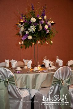 like the shape of the centerpiece and the stand!