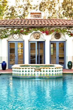 These 22 pool house design ideas will get your home ready for summer entertaining and take you on a mental vacation. Spanish Style Homes, Spanish Revival, Spanish House, Spanish Colonial, Spanish Pool, Pool House Bathroom, Pool House Designs, Permanent Vacation, Luxury Pools