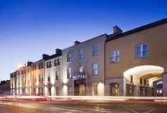 Westport Plaza Hotel - The newest luxurious Westport Plaza is located in the heart of Westport offers the perfect setting for a glamorous hen party! Hotel Bed, Plaza Hotel, Bed And Breakfast, Mansions, Star, Luxury, House Styles, Party, Breakfast In Bed