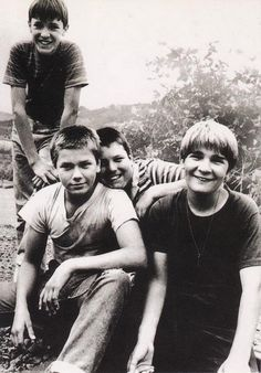 Stand By Me - Wil Wheaton, River Phoenix, Jerry O'Connell and Corey Feldman 1986 80s Movies, Great Movies, Indie Movies, Comedy Movies, Action Movies, Love Movie, Movie Tv, Movies Showing, Movies And Tv Shows