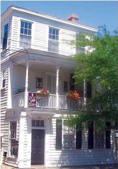 158-B Wentworth Street in downtown Charleston, SC is available for rent from Lois Lane Properties! #LLP #forrent #Charleston #realestate