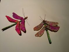 Love this craft! Helicopter seeds + twigs + hot glue gun + wire + glitter. Amazing!