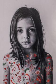 fotografia bordada, Flor Brant, Flores bordadas no corpo, criança de luz, Aline Brant
