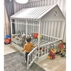 Lit montessori - Le Montessori - BabyCenter - My CMS Big Girl Rooms, Baby Boy Rooms, Baby Bedroom, Baby Room Decor, Baby Cribs, Nursery Room, Girls Bedroom, Baby Beds, Chic Nursery