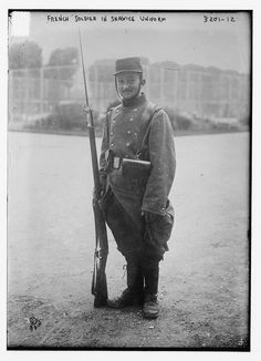 French soldier in uniform of 1914.