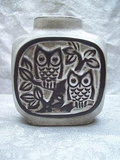 Howard Pierce owl vase