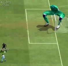 And this giant, armless Fifa 14 goalkeeper. | 24 Fucked Up Game Glitches That Will Make You Laugh Harder Than You Should