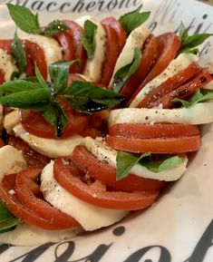 Fresh combination of tomatoes, mozzarella and basil. Dressing with olive oil, caramelized balsamic, salt and pepper. Mozzarella Pearls, Fresh Mozzarella, Roasted Pineapple, Pesto Sauce, Personal Chef, Fresh Coriander, Executive Chef, Caprese Salad, Cherry Tomatoes