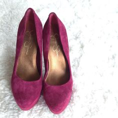 Weekend SaleJessica Simpson 'Waleo' Pump Good Condition! Super cute shoes. The perfect pop of color  minor nicks hardly noticeable! Additional photos available by request  Jessica Simpson Shoes Heels