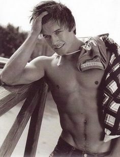 Hollister Male Model | Hollister Hottie: John Turner! | VGL | The Male Model Daily