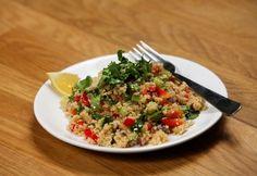 Tavaszi biozöldséges kuszkusz recept képpel. Hozzávalók és az elkészítés részletes leírása. A tavaszi biozöldséges kuszkusz elkészítési ideje: 15 perc Fried Rice, Risotto, Fries, Ethnic Recipes, Food, Cilantro, Eten, Meals, Stir Fry Rice