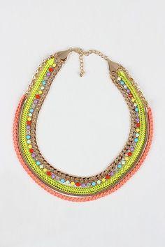 Neon Party Necklace para el verano. Sus colores combinan con piezas más sobrias #trend #chic | http://coolnecklaces.blogspot.com
