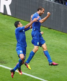 Giorgio Chiellini (r) of Italy celebrates scoring with Eder after scoring the opening goalduring the UEFA EURO 2016 round of 16 match between Italy and Spain at Stade de France on June 2016 in Paris, France. World Football, Nike Football, Uefa Euro 2016, 2016 Pictures, Blues, Spain, Soccer, Celebrities, Paris France