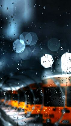 This bokeh is so wonderful! And this cromatic palette is so beautiful! Rainy Wallpaper, Cute Wallpaper Backgrounds, Pretty Wallpapers, Iphone Wallpaper, Rain Photography, Landscape Photography, Rainy Mood, I Love Rain, Rain Days