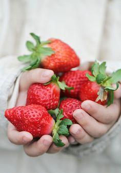 EAT HEALTHY Strawberries