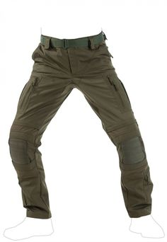 Striker XT Combat Pants offer an undefeatable combination of unique materials, functional pocket configuration and comfortable, reliable knee protection. These make it the ultimate in combat pants for any environment. Tactical Pants, Tactical Clothing, Combat Pants, Combat Gear, Military Gear, Military Units, Camisa Polo, Jeans Skinny, Cargo Pants